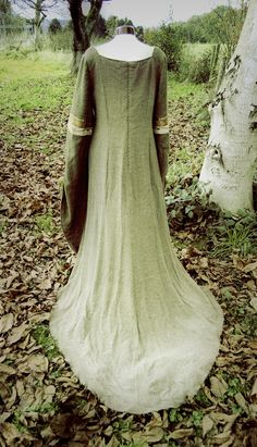 Mists of Avalon in green, medieval dress