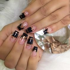 Manicure Nail Designs, Nail Manicure, Gel Nails, Black Nail Designs, Simple Nail Art Designs, Elegant Nails, Stylish Nails, The Art Of Nails, Nail Art Designs Videos