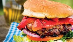 The Sumting Fresh jalapeño burger These spicy burgers are sure to tantalise your taste buds. Jalapeno Burger, Burger Mania, Recipe Search, Taste Buds, Burgers, Hot Dogs, Baking Recipes, Delicious Desserts, Spicy
