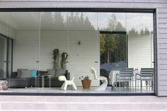 Valmiin lasiterassin esittely - lattia laatoitettu, koko n. Outdoor Decor, Decor, Home, Interior, Exterior, Balcony, Home Decor