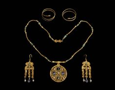 """ Jewellery Set Early Byzantine AD 600 (Source: The British Museum) """