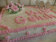 Birthday cake for a special lady celebrating het 100th birthday...