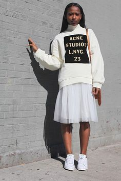 Ideas for sweatshirt outfit skirt chic Cute Sporty Outfits, Sporty Style, Girly Outfits, Classy Outfits, Cool Outfits, Fashion Outfits, Fashion Pics, Fashion Black, Fashion Ideas