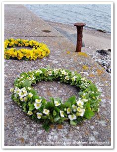 Midsummer hair wreaths - florainspirp.com