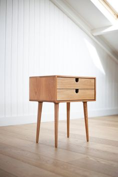 Mid-Century Scandinavian Side Table / Nightstand - Two drawers and retro legs made of solid oak Wood Furniture, Modern Furniture, Furniture Design, Scandinavian Furniture, Scandinavian Style, Mid Century Furniture, Furniture Inspiration, Solid Oak, Mid-century Modern