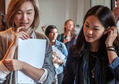 INSIDER HONGKONG: CARROL HO UND XANTHE LAU  Carrol Ho und Xanthe Lau sind Kulturmanagerinnen in Hongkong. Beim renommierten Wiener Festival ImPulsTanz, das von 16. Juli bis 16. August 2015 stattfindet, macht das Duo heuer ein Praktikum.