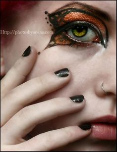 DIY Halloween Makeup : Butterfly