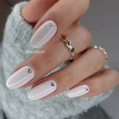 59 New Year's Nail Art Designs, Beautiful and Fashionable for Winter – ShelbyFashions Nude Nails, White Nails, Pink Nails, Glitter Nails, New Year's Nails, Hair And Nails, New Years Nail Art, Nagellack Design, Heart Nails