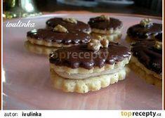 Čajová kolečka recept - TopRecepty.cz Small Desserts, Sweet Desserts, Sweet Recipes, Christmas Sweets, Christmas Baking, Czech Desserts, Cake Recept, Czech Recipes, Eclairs
