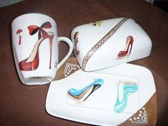 beurrier chaussures talon haut peut aller avec les 2 mugs déjà sur l'album comme montré prix du beurrier CHF 45.-- + frais de port