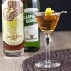 The French Province. Rum and calvados unite! Rum Cocktail Recipes, Cocktails, Cocktail Drinks, Alcoholic Drinks, Daiquiri, Mojito, Apple Season, Getting Drunk, Schnapps