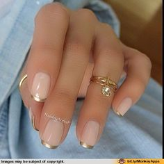 Would be amaze w stiletto nails. Love the gold/foil