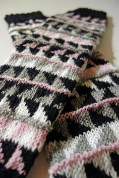 Best Fashion Advice of All Time – Best Fashion Advice of All Time Wool Socks, Pullover, Knit Patterns, Leg Warmers, Hosiery, Hand Knitting, Knit Crochet, Blanket, Ipa