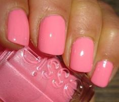 Essie: Knockout Pout- NEED this color! My obsession with Barbie/bubblegum pink nails is forever growing! Love Nails, How To Do Nails, Pretty Nails, My Nails, Pink Nail Colors, Nail Polish Colors, Pink Nails, Color Nails, Glitter Nails