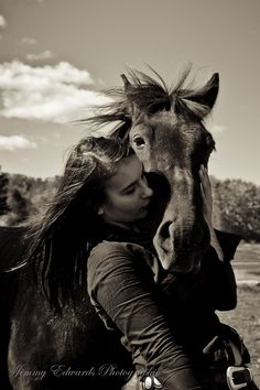 Like to have a picture of me and Jade (Jade is a red dun quarter mare that my aunt owns) in this pose. Love it.
