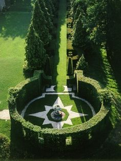 The Gardens of Eyrignac, in the Perigord, France, created in the century and changed to the English garden style in the century, photo uncredited. Topiary Garden, Garden Art, Formal Gardens, Outdoor Gardens, Modern Gardens, Japanese Gardens, Small Gardens, Amazing Gardens, Beautiful Gardens