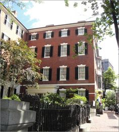 Fancy house tour in storied Beacon Hill.a place to walk off brunch.the Nichols House Museum Great Places, Places Ive Been, Boston Attractions, Boston Museums, West Home, Fancy Houses, In Boston, Historic Homes, House Tours