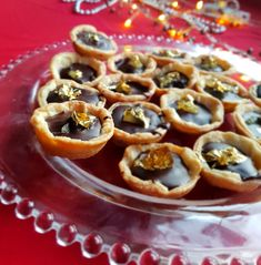 Mini Chocolate Ginger Tarts  #ChristmasRecipes #EasyRecipes #PartyFoods #HolidayPartyRecipes #Foodie #Christmas #Xmas #Recipes #Bake #Chocolate #Ginger #ShortcutRecipes #Homemade #Dessert #Sweet Cheap Meals, Easy Meals, Edible Gold Leaf, Cupcake Tray, Xmas Recipes, Chocolate Filling, Mini Muffins, Dessert, Food For A Crowd