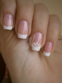 French manicure by bl00dflowerz