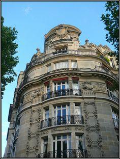 Avenue de la Bourdonnais, Paris