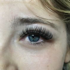 To curled and to many lashes