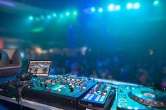 DJ Setup Ideas for Beginners | Learn more about DJ setup costs, DJ setups for sale, DJ setup for wedding, DJ setup equipment, purchasing DJ gears. #DJsetup #DJ #setup