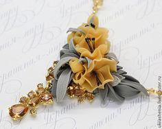 Колье с медово- желтыми цветами и серыми листьями - серо-желтый,желтые цветы
