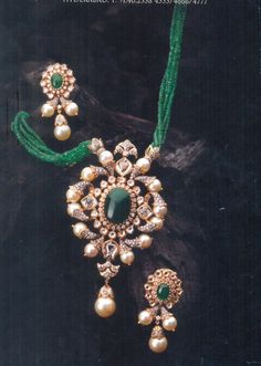 Beyond words Beautiful jewelry nature,Beaded jewelry trends and Pallet jewelry display. Gold Temple Jewellery, Gold Jewellery Design, India Jewelry, Bead Jewellery, Jewelry Sets, Beaded Jewelry, Handmade Jewellery, Tanishq Jewellery, Jewelry Model