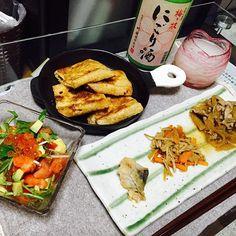 miki31mi旦那さんがいない夜、昨日の残りとおつまみ作ってにごり酒呑む。。(1人で) . 幸せだなあ〜 どぶろくとかにごり酒とか大好き。 お風呂ももう済ませた(笑) 明日も休み。 . 幸せすぎる… . #1人呑み #晩酌 #日本酒 #にごり酒 #ふるさと納税でもらった #明日休み #幸せ #おうちごはん