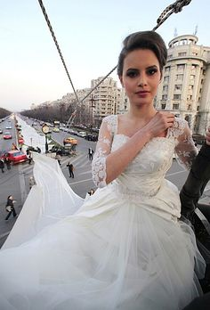 Longest wedding dress ever - Bucarest