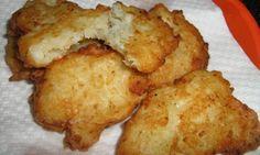 Le scarpelle sono una delle ricette natalizie tipiche del Molise: delle frittelle gustose che possono essere arricchite in tanti modi.