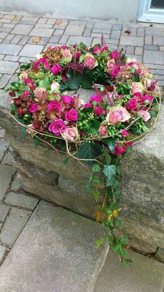 Best Picture For funeral cake For Your Taste You are looking for something, and it is going to tell you exactly what you are looking for, and you didn't find that picture. Funeral Flower Arrangements, Funeral Flowers, Pink Flowers, Beautiful Flowers, Beautiful Pictures, Grave Decorations, Memorial Flowers, Cemetery Flowers, Sympathy Flowers