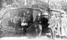 6 августа 1919 года Северо-Западная Армия Юденича (СЗА) получила от своих британских союзников — 4 танка MK-V («Марк пять»), а так же приданный им британский танковый отряд в составе 48 человек под командованием майора Хоупа Карсона (Lt Colonel Hope Carson), который высадился в Ревеле. Через месяц прибыло еще два аналогичных танка.