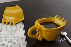 Excavator Mug - http://www.differentdesign.it/2013/10/28/excavator-mug/