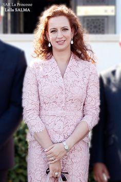 22 mai 2014 SAR la Princesse Lalla Salma. Diva Fashion, Royal Fashion, Fashion Outfits, Womens Fashion, Lalla Salma, Elie Saab Couture, Beautiful Suit, Caftans, Ankara Styles