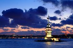 Istanbul: Maiden's Tower by Nightcitylights on DeviantArt Places To Travel, Places To See, Istanbul Turkey, Far Away, Event Venues, Empire State Building, Dusk, Moonlight, Big Ben