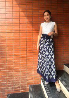 Thai silk Khon Kaen Traditional Thai Clothing, Traditional Dresses, Batik Dress, Silk Dress, Thailand Fashion, Thai Fashion, Thai Dress, Thai Style, Khon Kaen