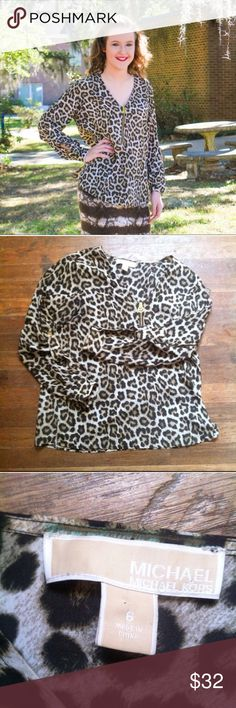 🎉SALE🎉Michael Kors Animal Print Silk Blouse Make the perfect blouse. Size 6 fits true to size. In great condition. Oder free. A top u will love Michael Kors Tops Blouses