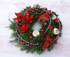 p1080432 Christmas Centerpieces, Christmas Decorations, Holiday Decor, School Projects, Flower Arrangements, Christmas Wreaths, Advent, Seasons, Flowers