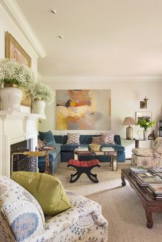 Gorgeous layers + traditional shapes via. Matthew Carter Interiors