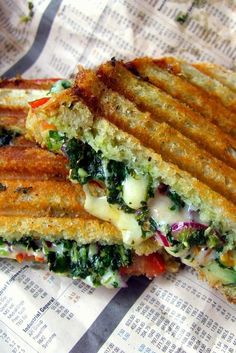A delicious collection of toasted sandwich recipes, from a classic cheese and ham toasted sandwich to a sophisticated garlic mushroom sourdough recipe. More easy recipes Veggie Recipes, Lunch Recipes, Indian Food Recipes, Breakfast Recipes, Vegetarian Recipes, Cooking Recipes, Healthy Recipes, Vegetarian Sandwiches, Diet Recipes