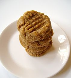 The Foodie RD: Makeover Monday: Low Carb Peanut Butter Cookies