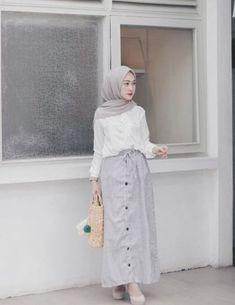 Ideas Skirt Outfits Modest Maxi For 2019 - Skirt Modern Hijab Fashion, Street Hijab Fashion, Muslim Fashion, Emo Fashion, Fashion Dresses, Casual Hijab Outfit, Hijab Dress, Hijab Chic, Swag Dress