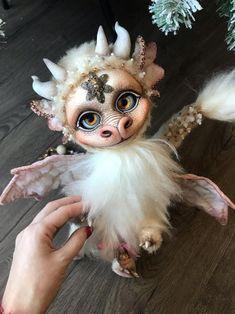Handmade mohair TeddyBlythe Dragon ___________________________________________________________________________________ Features: Body: Mohair Fill: Rubber Blythedoll-based head (a custom blythe) Head and paws on splint mount Height: 30 cm tall Crystal Dragon, Pink Rabbit, Baby Dragon, Dragon Art, Fantasy Artwork, Blythe Dolls, Cute Art, Art Dolls, Forest Creatures