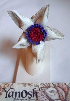 grande barrette fleur en cuir rose et violet accessoires cheveux ... 08fb2da1fef