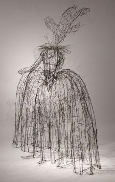LESLEY DILL : SCULPTURE : WIRE by taylor