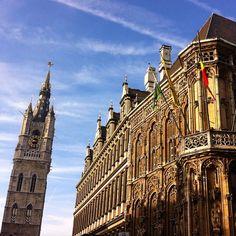 by mm_gent: #stadhuis #townhall #ayuntamiento #belfort #belfry #gent #gante #ghent #visitgent #visitflanders #visitbelgium #belgië #bélgica #belgium #sunnyday #blue #october #101014