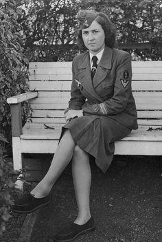 https://flic.kr/p/g65BrB | Personnel féminin de la Heer (Helferin)