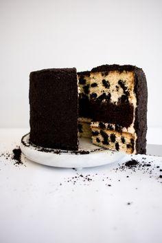 ... cookies and cream crumb cake ...