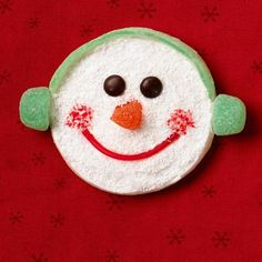 How to make a gumdrop snowman cookie: http://www.midwestliving.com/food/holiday/how-to-decorate-dazzling-cookies/?page=6